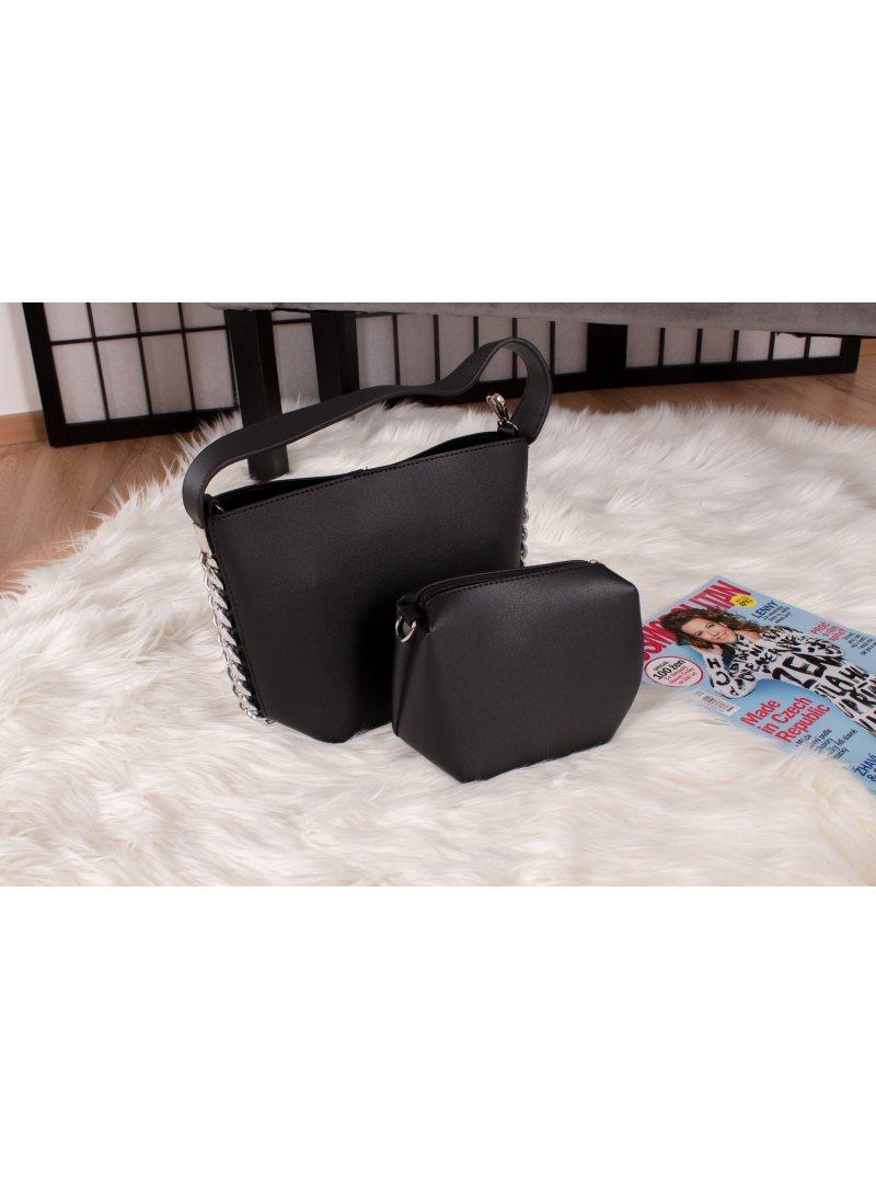 Čierna kabelka s reťazou Stella