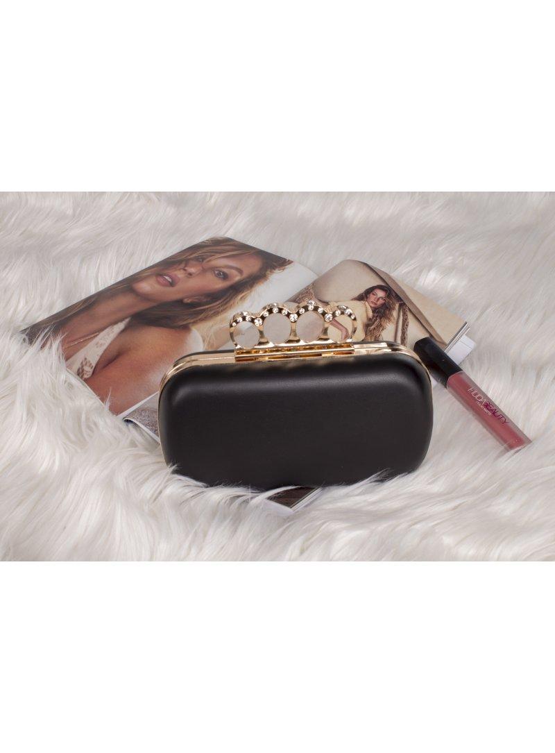 Čierna listová kabelka s prsteňmi